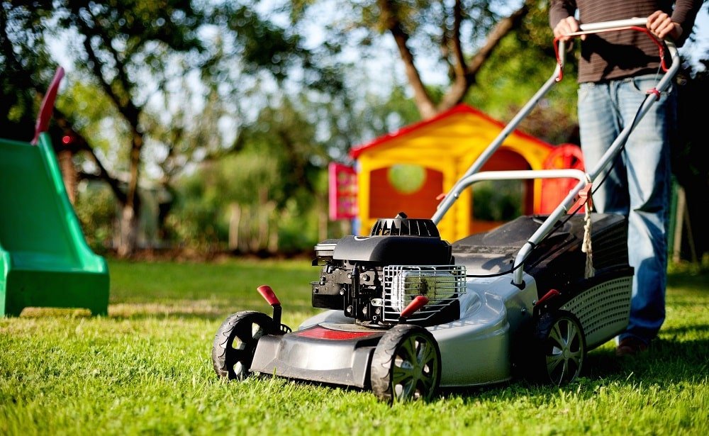 Best lawn mower for wet grass