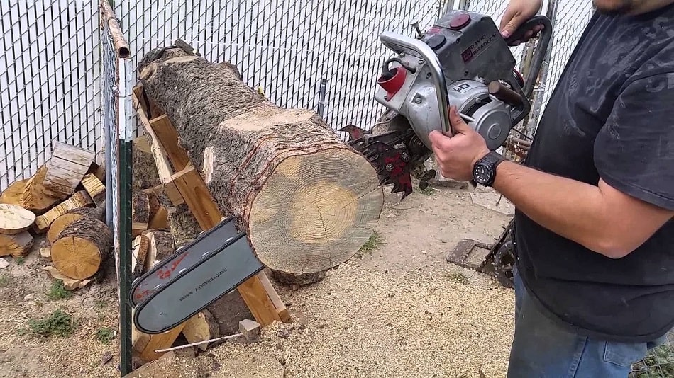 How To Cut Wood Slabs With A Chainsaw